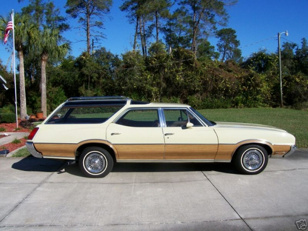 1972 Oldsmobile Vista Cruiser #8