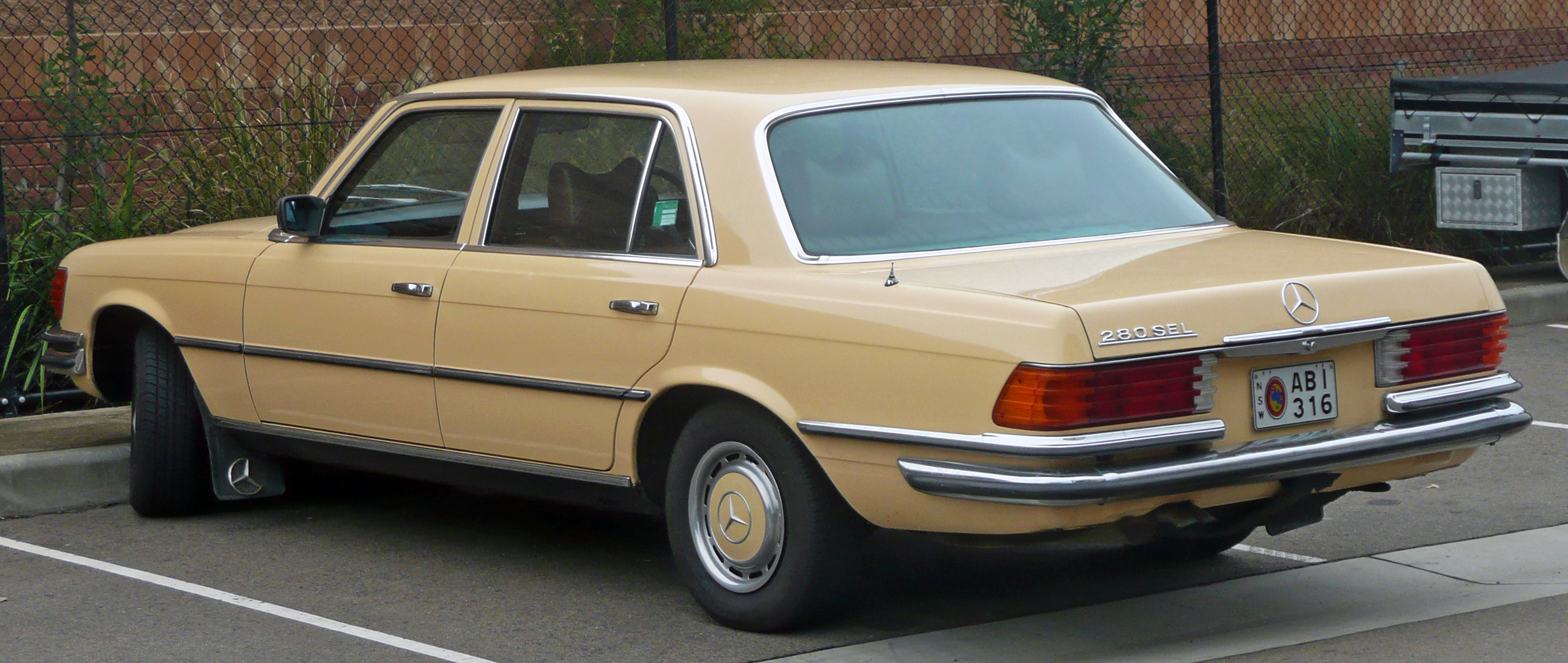 1980 mercedes benz 280 photos informations articles for 1980s mercedes benz