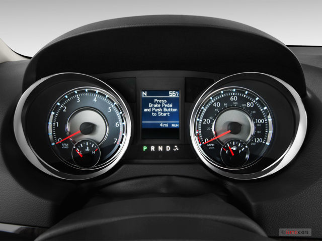 2012 Chrysler Town And Country #12
