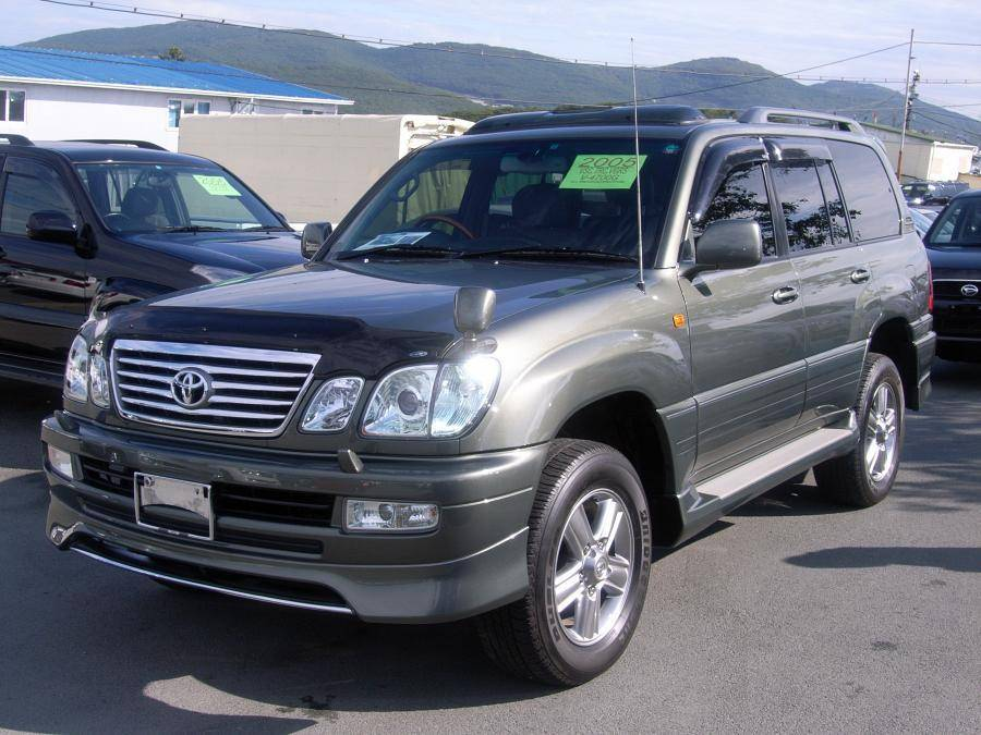2005 Toyota Land Cruiser #16