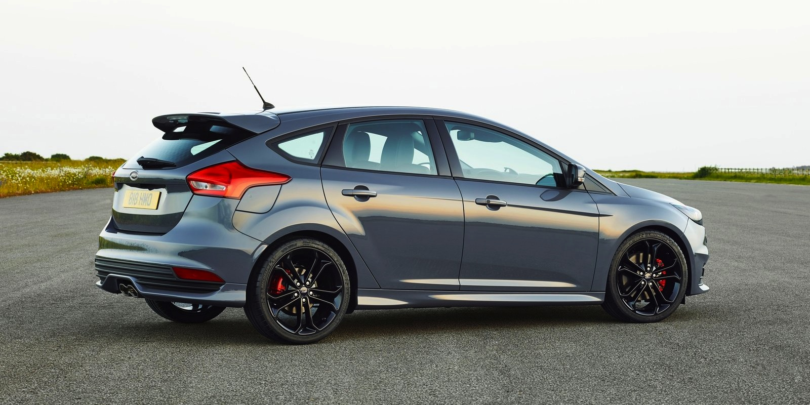 2015 Ford Focus St #13
