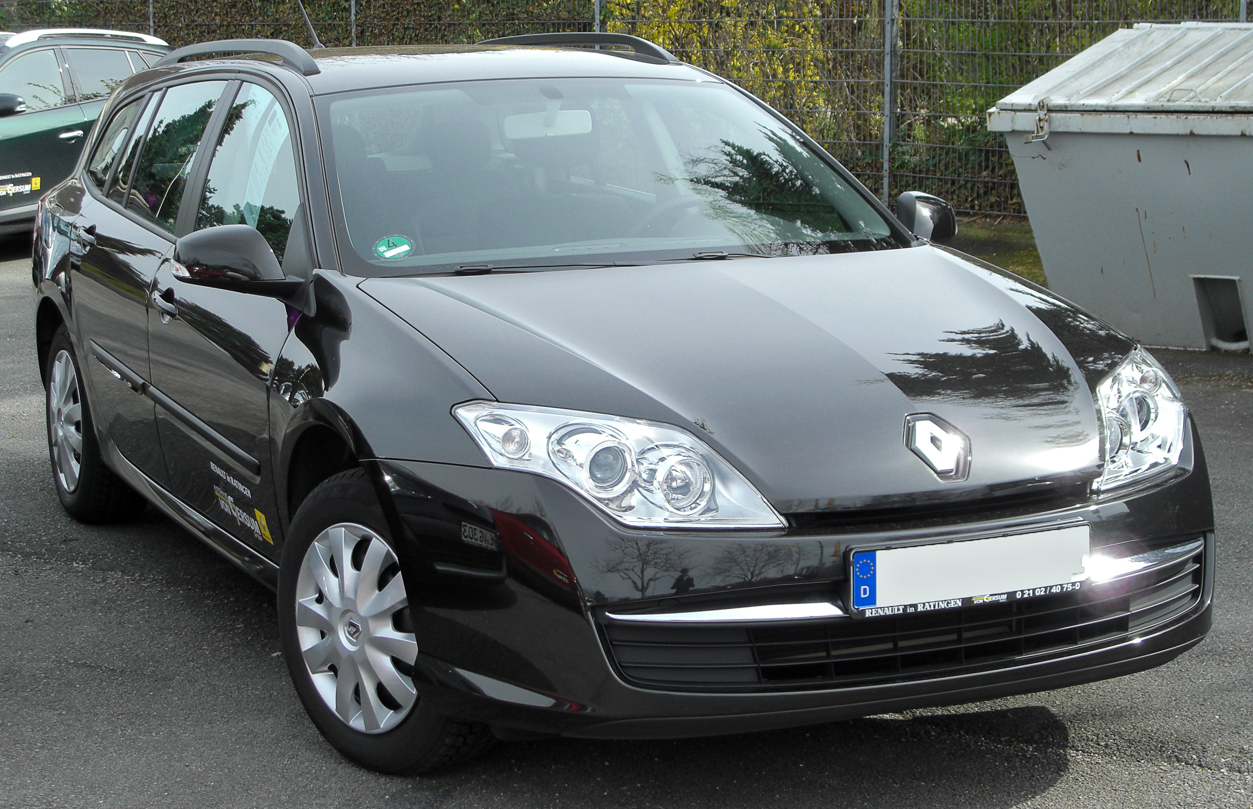 2010 renault laguna photos informations articles. Black Bedroom Furniture Sets. Home Design Ideas