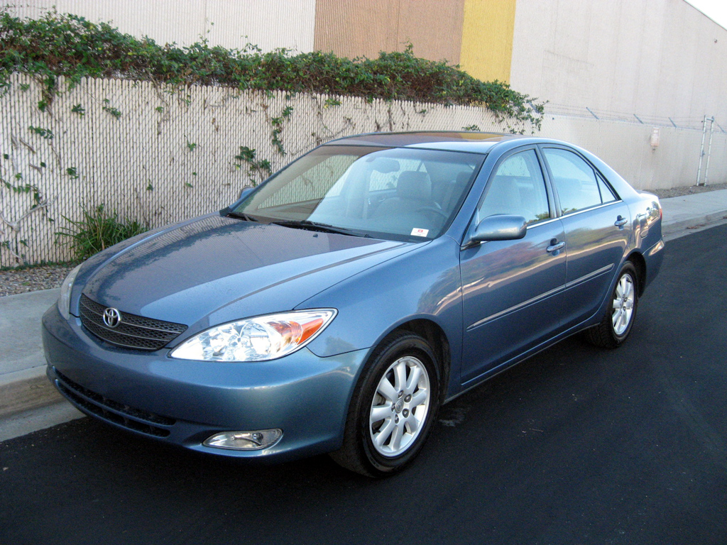 2004 toyota camry photos informations articles. Black Bedroom Furniture Sets. Home Design Ideas