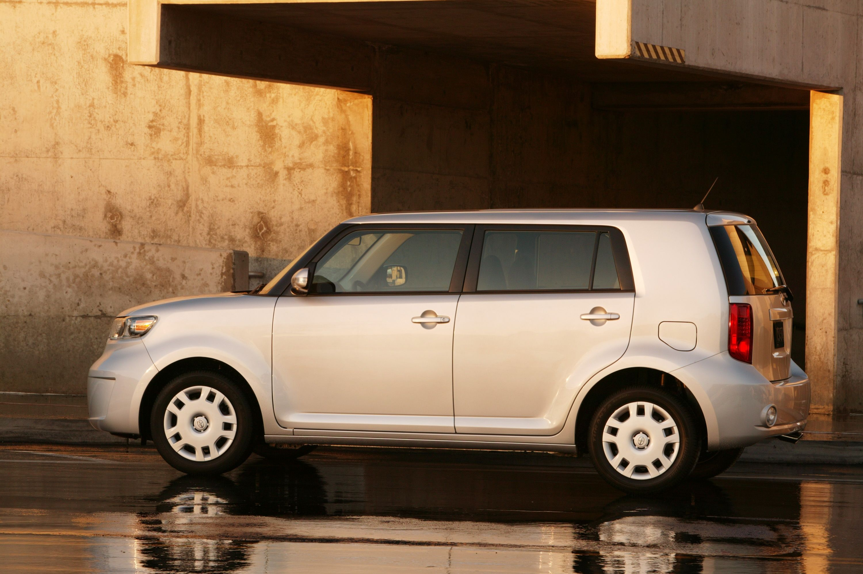 2009 Scion Xb #7