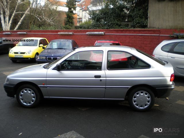 1994 Ford Orion #4