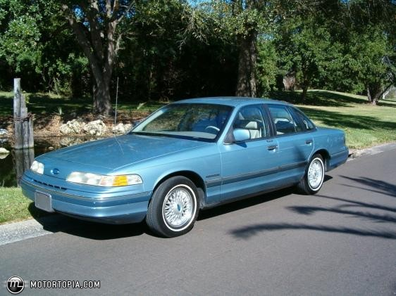 1992 Ford Crown Victoria #15