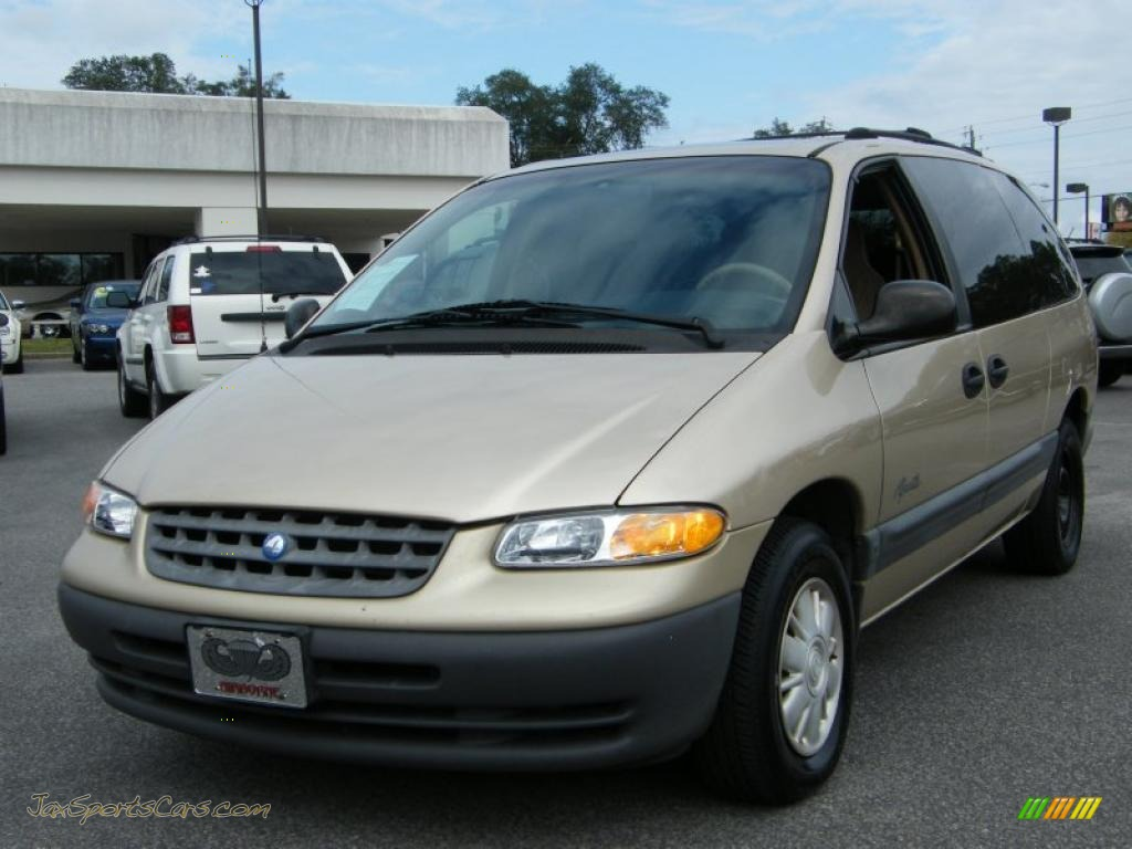 1998 Plymouth Grand Voyager #8