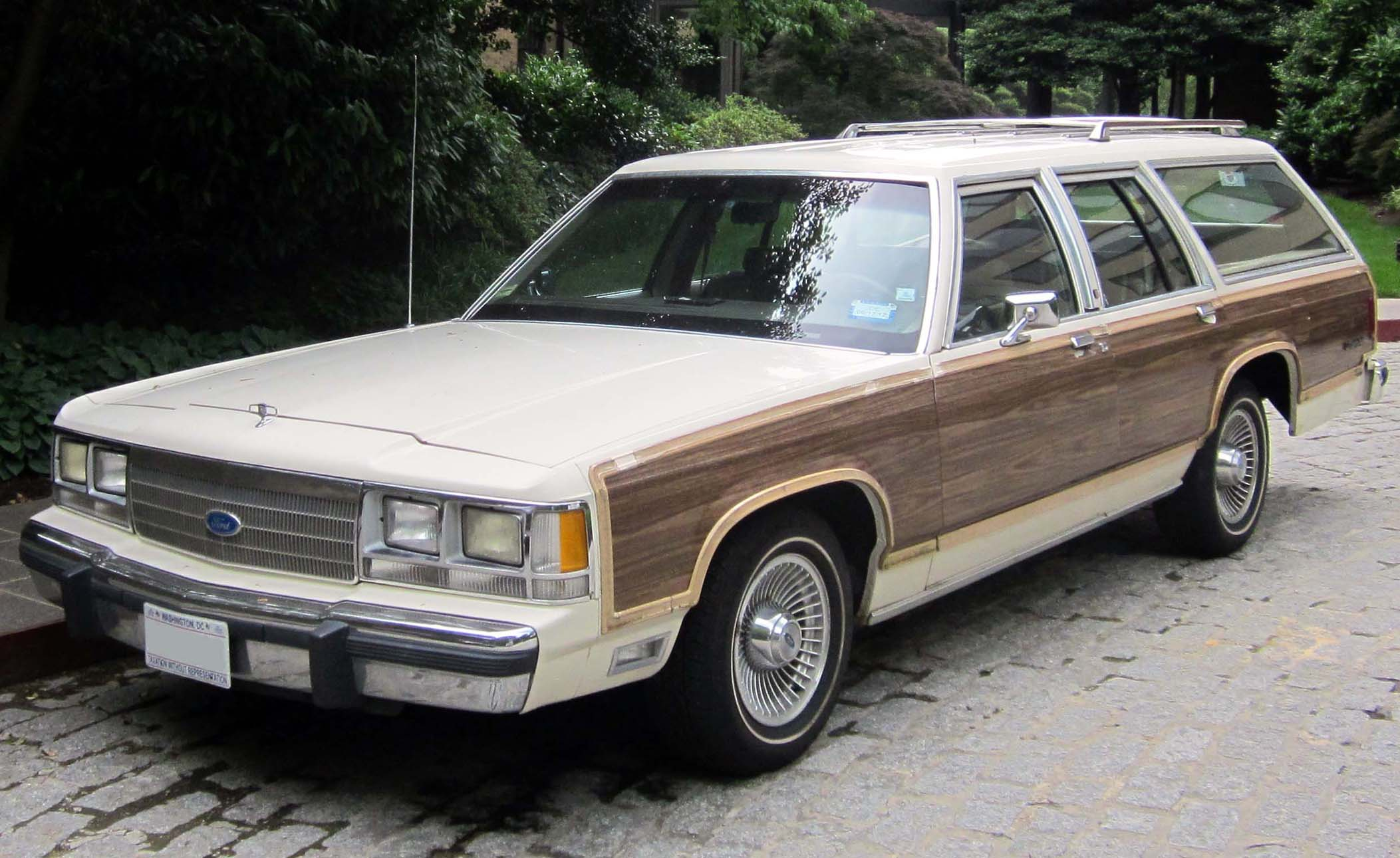 Ford Ltd Photos Informations Articles 1980 Crown Victoria Coupe 11
