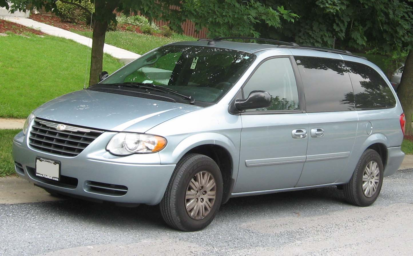 2005 Chrysler Town And Country Photos Informations