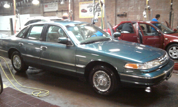 1996 Ford Crown Victoria #8