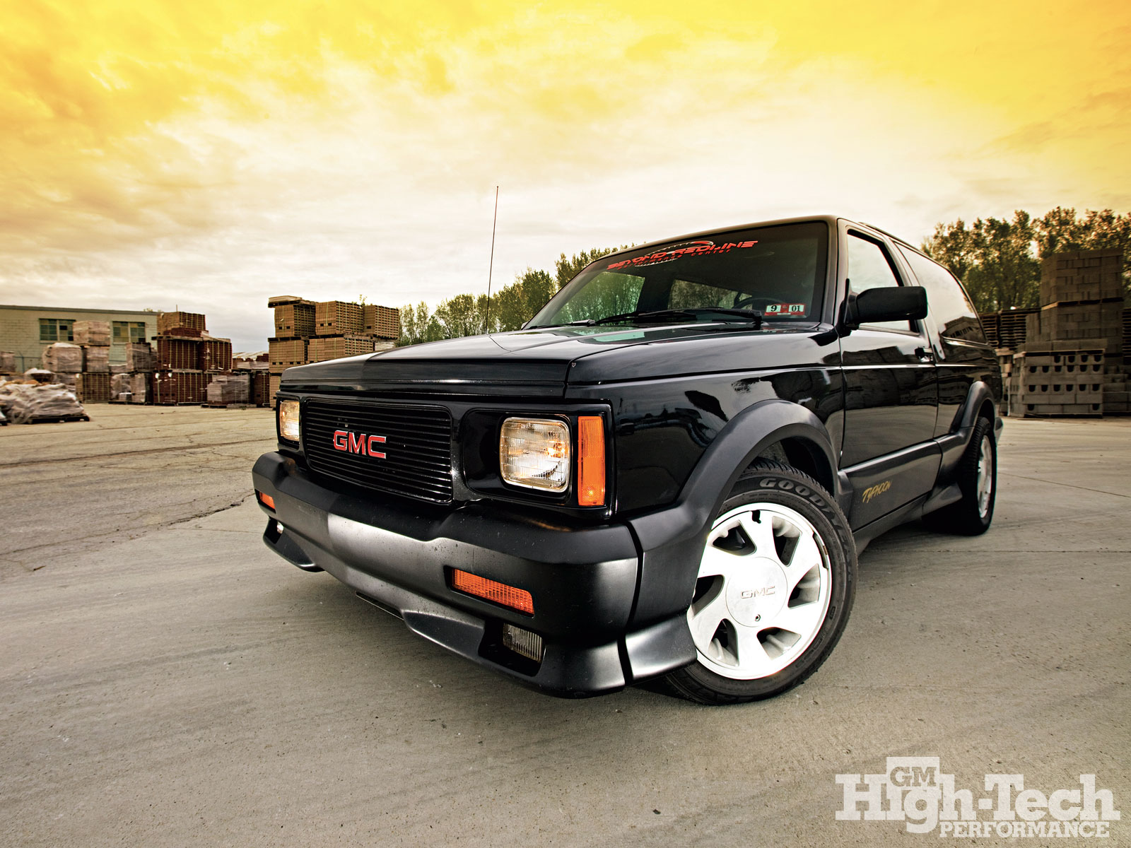 1992 GMC Typhoon #12