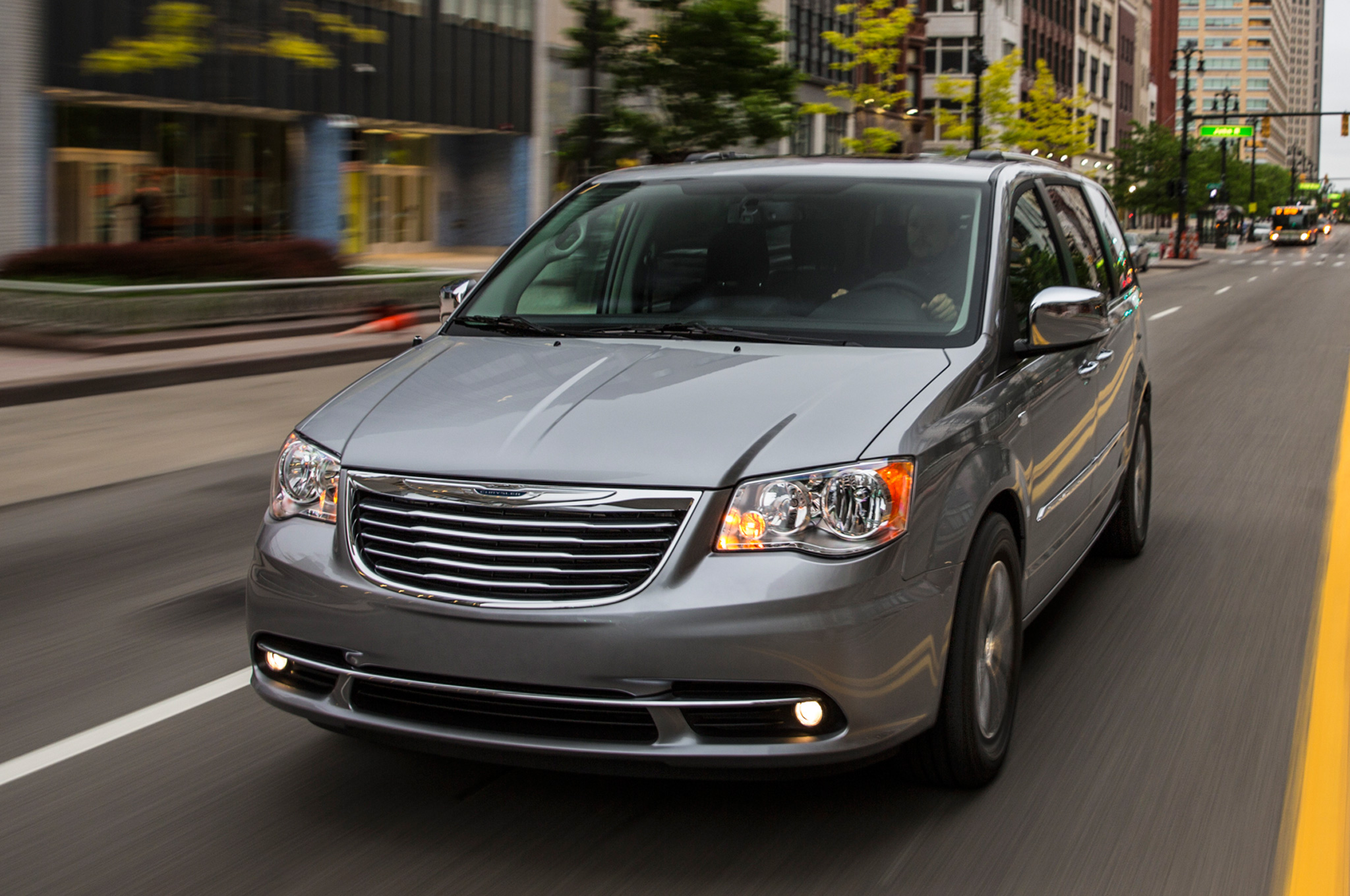 2014 Chrysler Town And Country #4