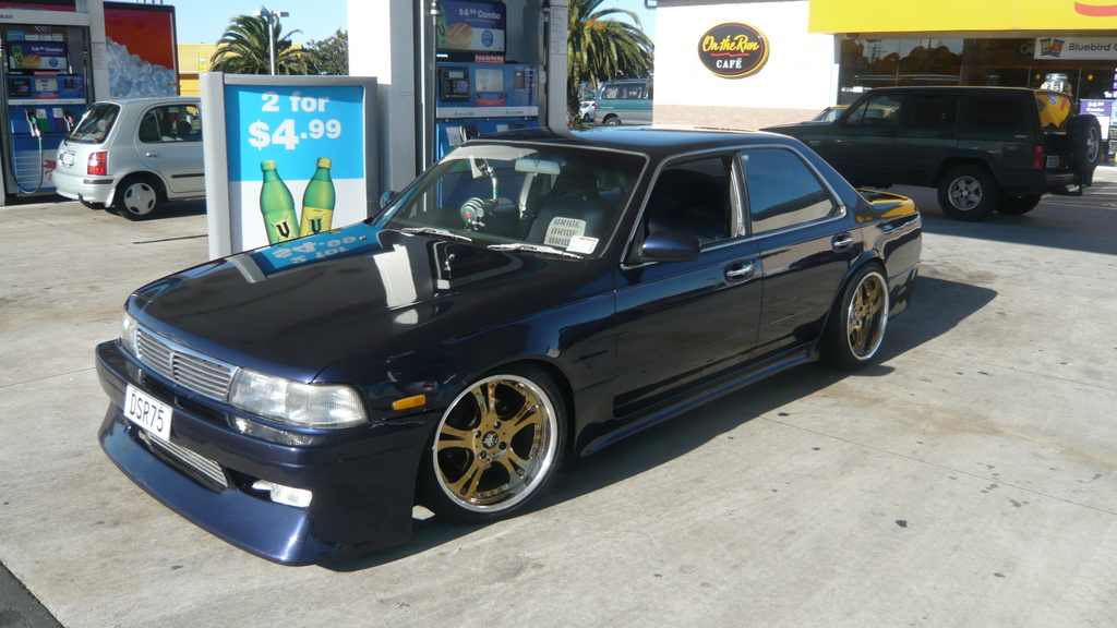 1992 Nissan Laurel #12