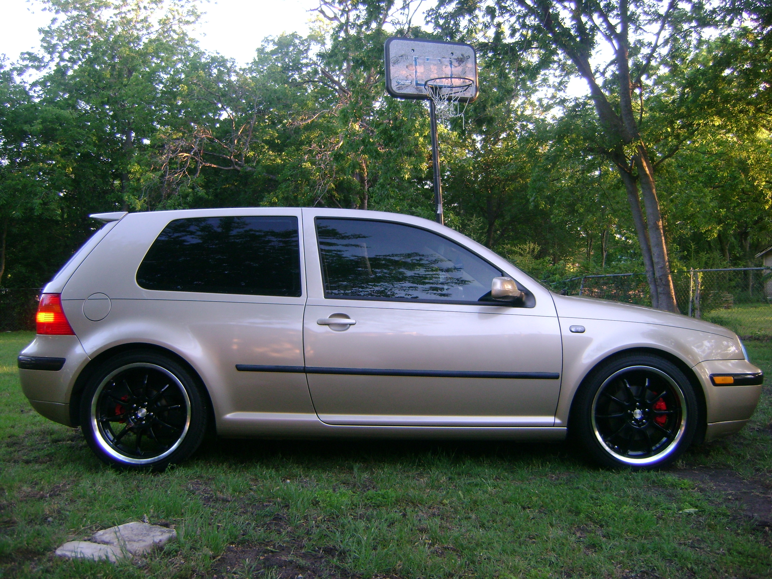 2004 Volkswagen Golf #14