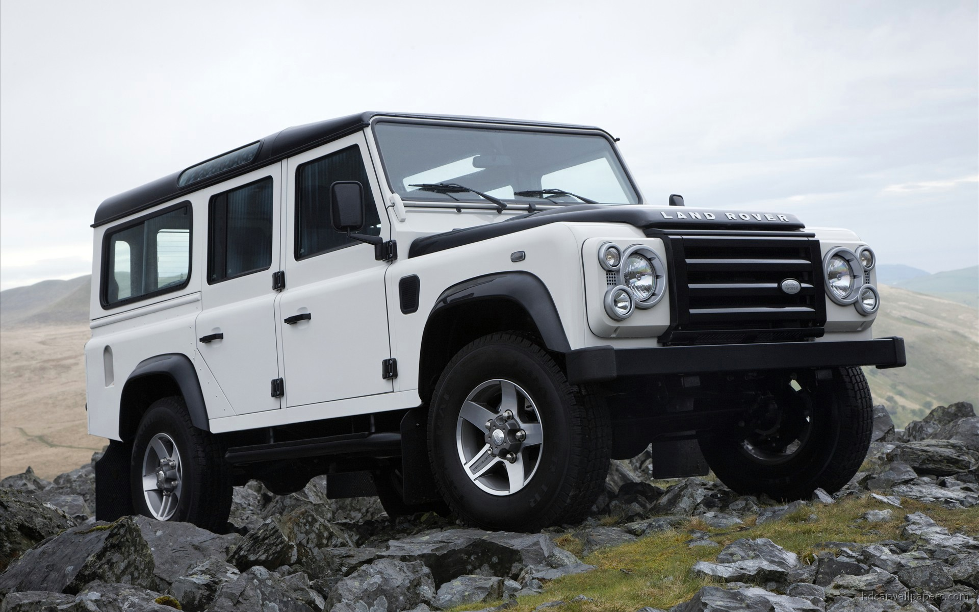 Land Rover Defender #12