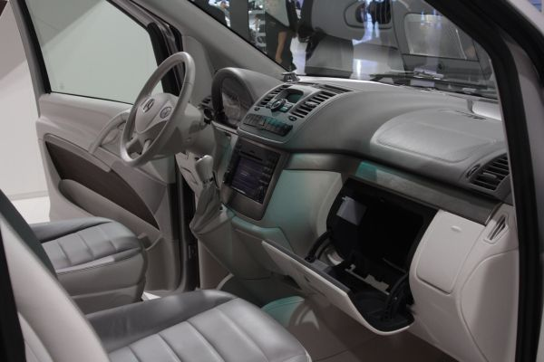 2012 Mercedes Benz Viano #4