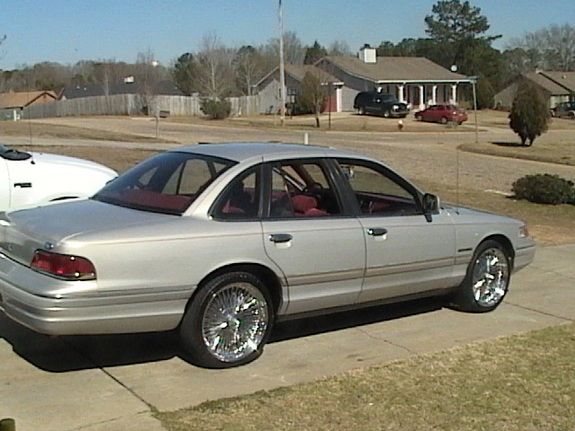 1992 Ford Crown Victoria #16