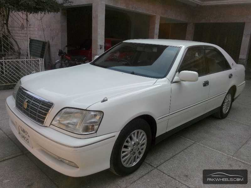2000 Toyota Crown #5