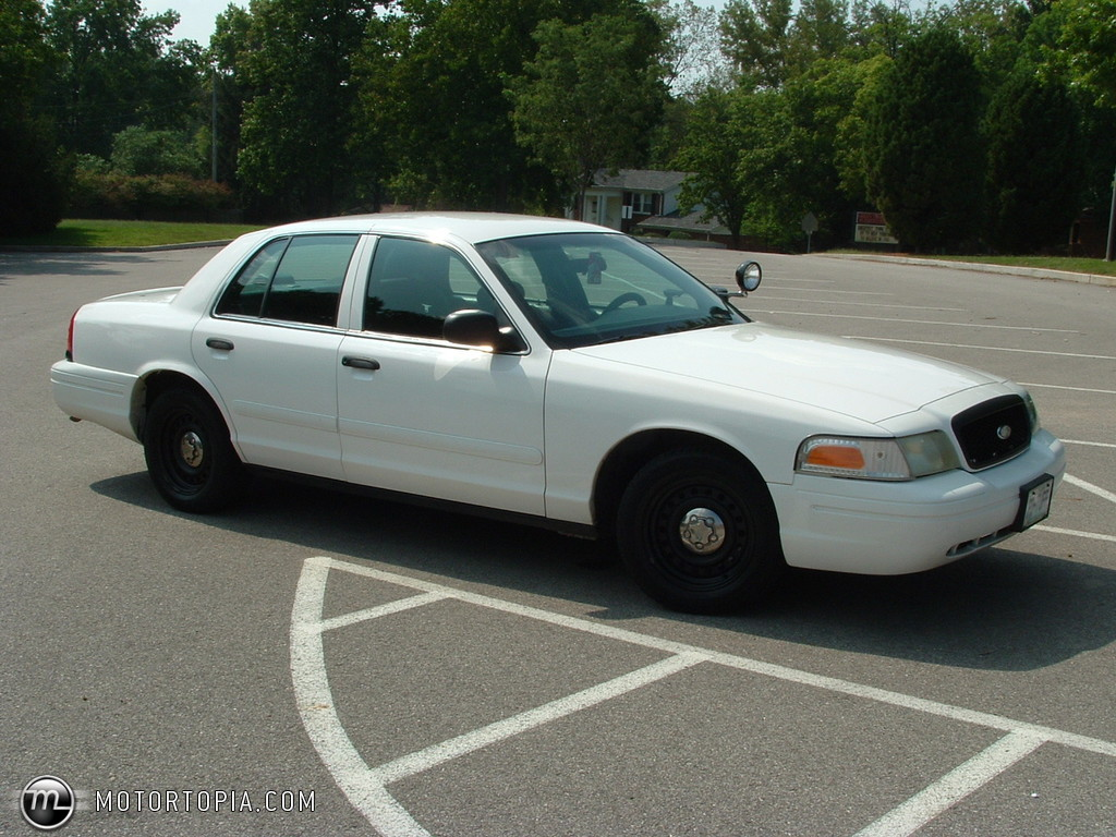 2002 Ford Crown Victoria #9