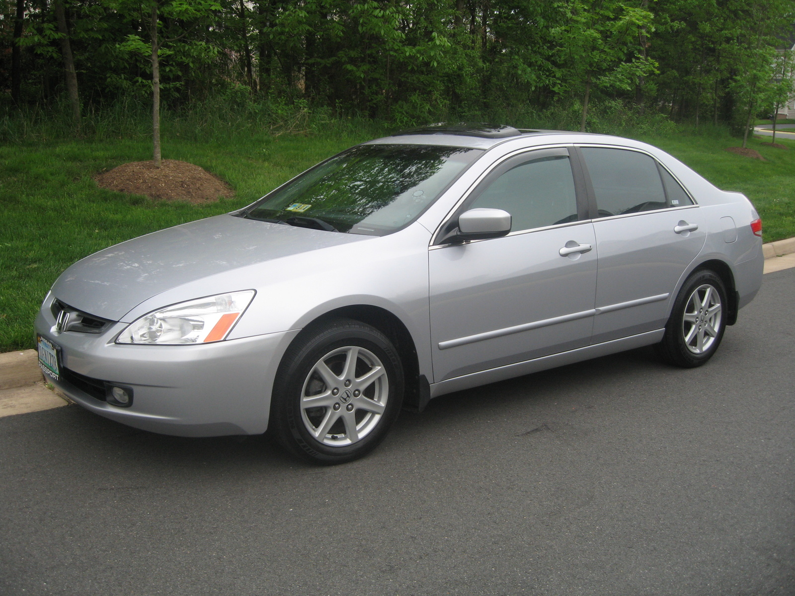 2004 Honda Accord #1