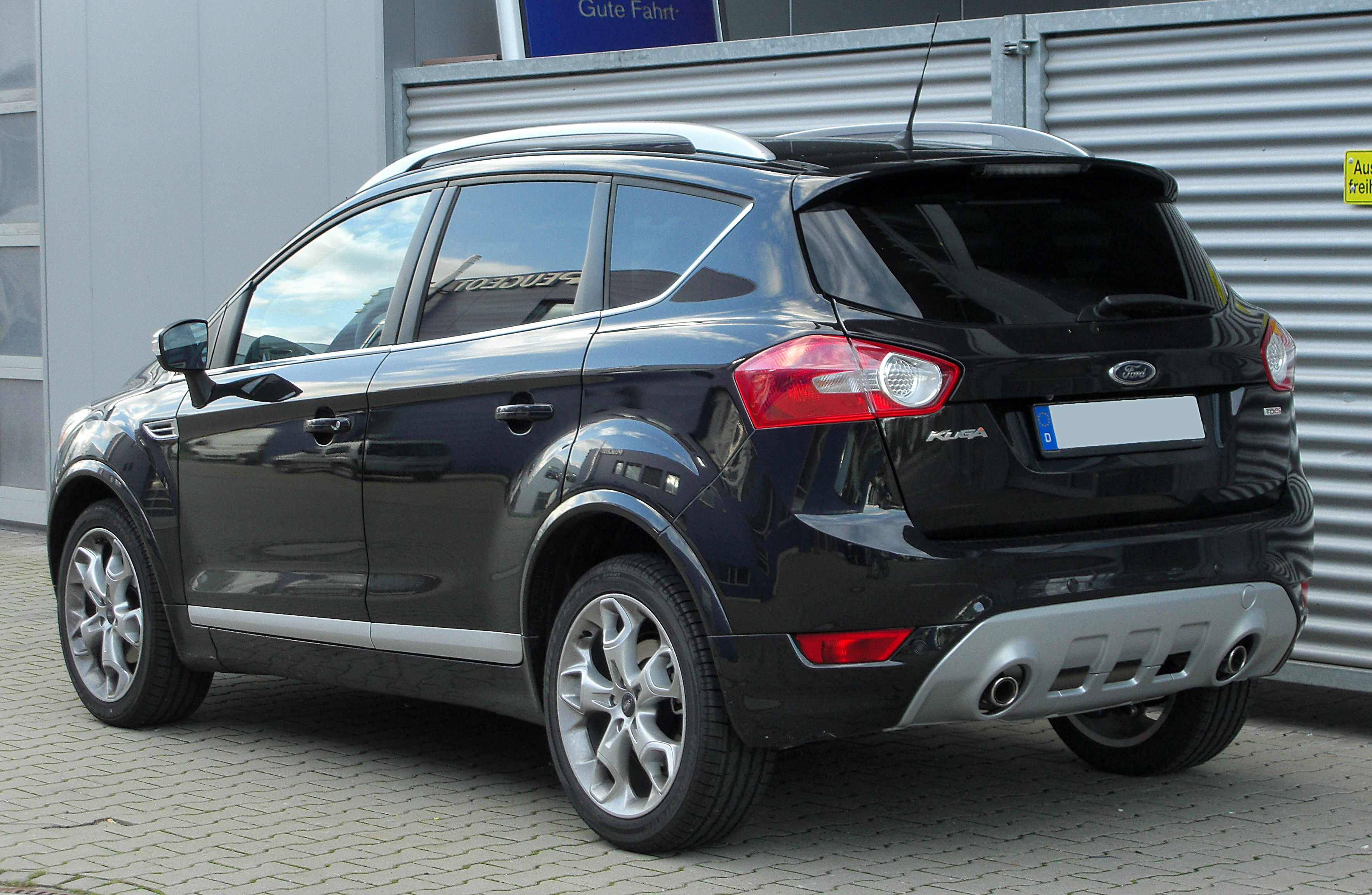 ford kuga photos informations articles. Black Bedroom Furniture Sets. Home Design Ideas