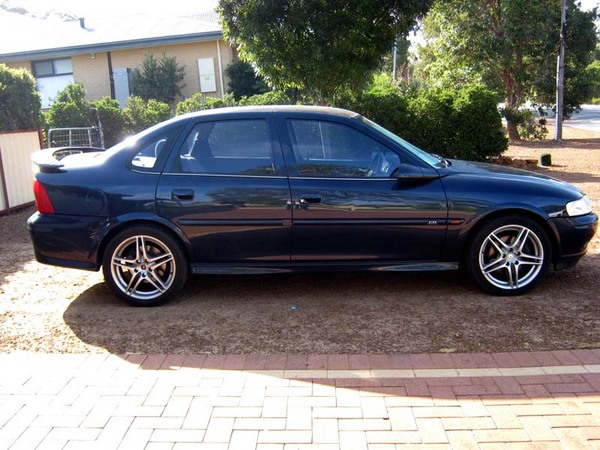 2000 Holden Vectra #8