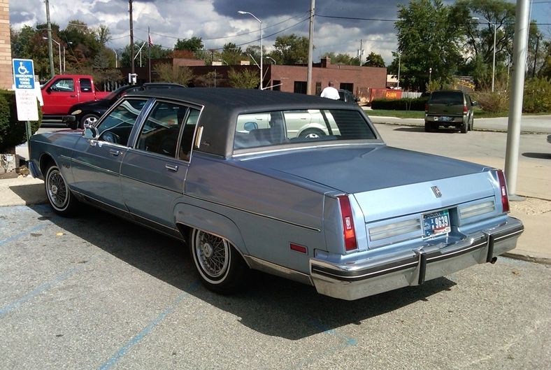 Oldsmobile Ninety-eight #14