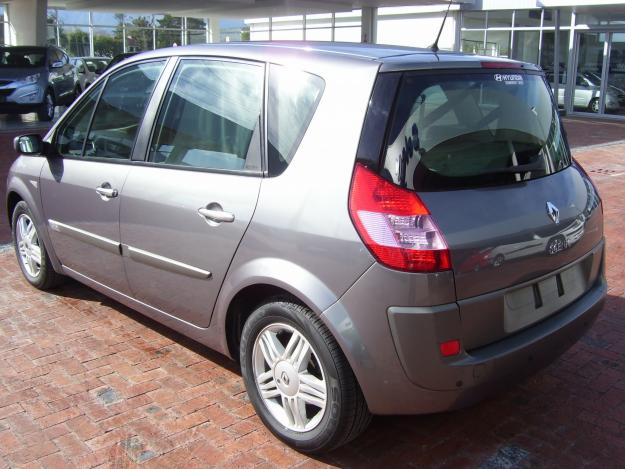 2004 renault scenic ii photos informations articles. Black Bedroom Furniture Sets. Home Design Ideas