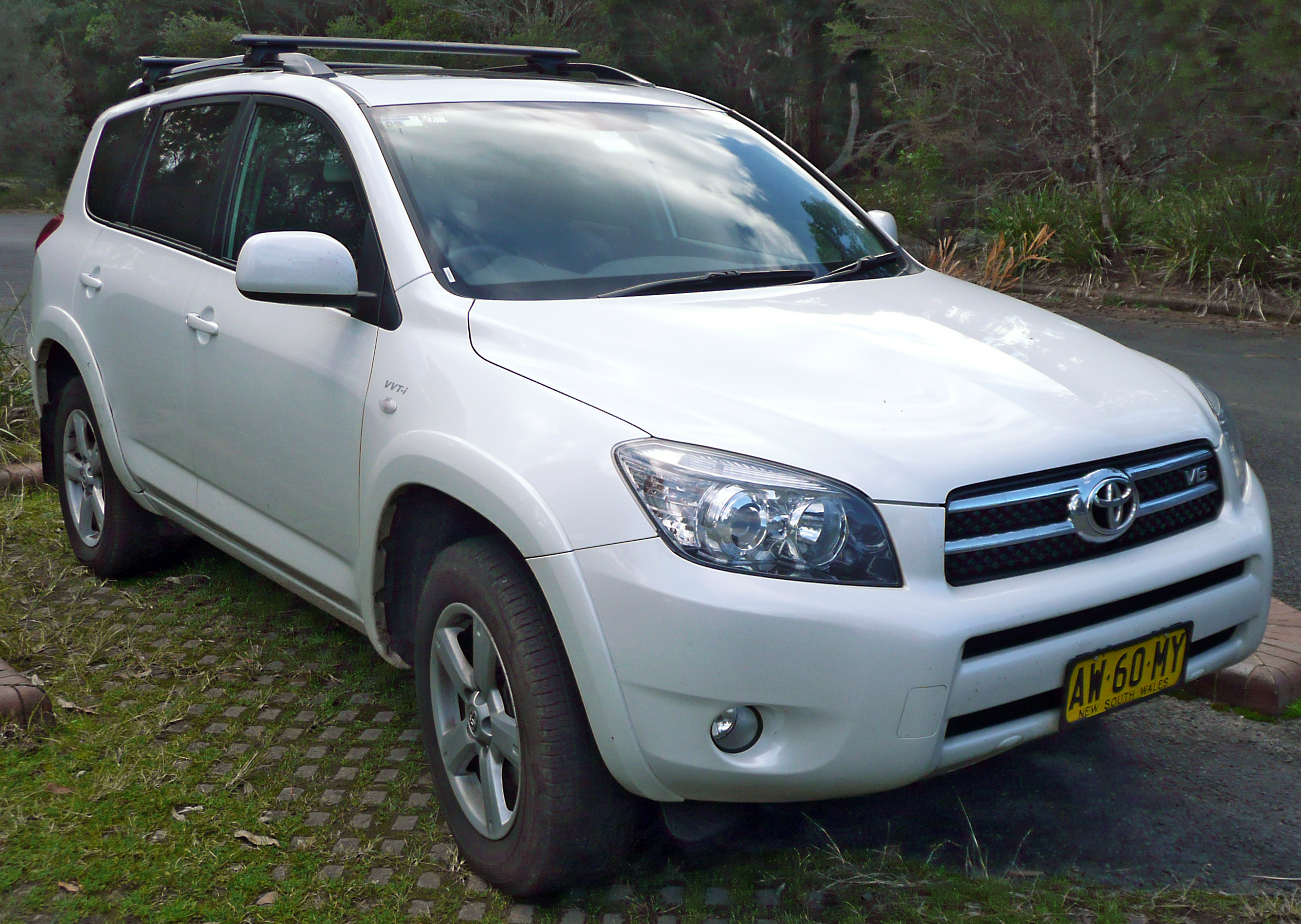 2007 toyota rav4 photos informations articles. Black Bedroom Furniture Sets. Home Design Ideas