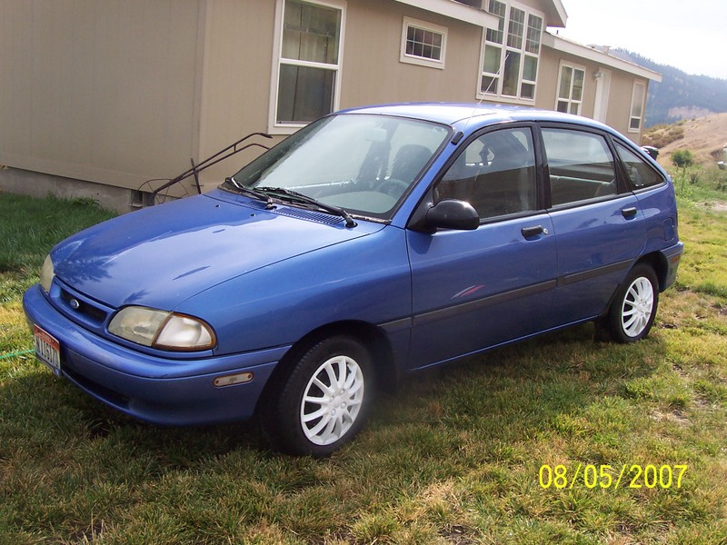 1994 Ford Aspire #4