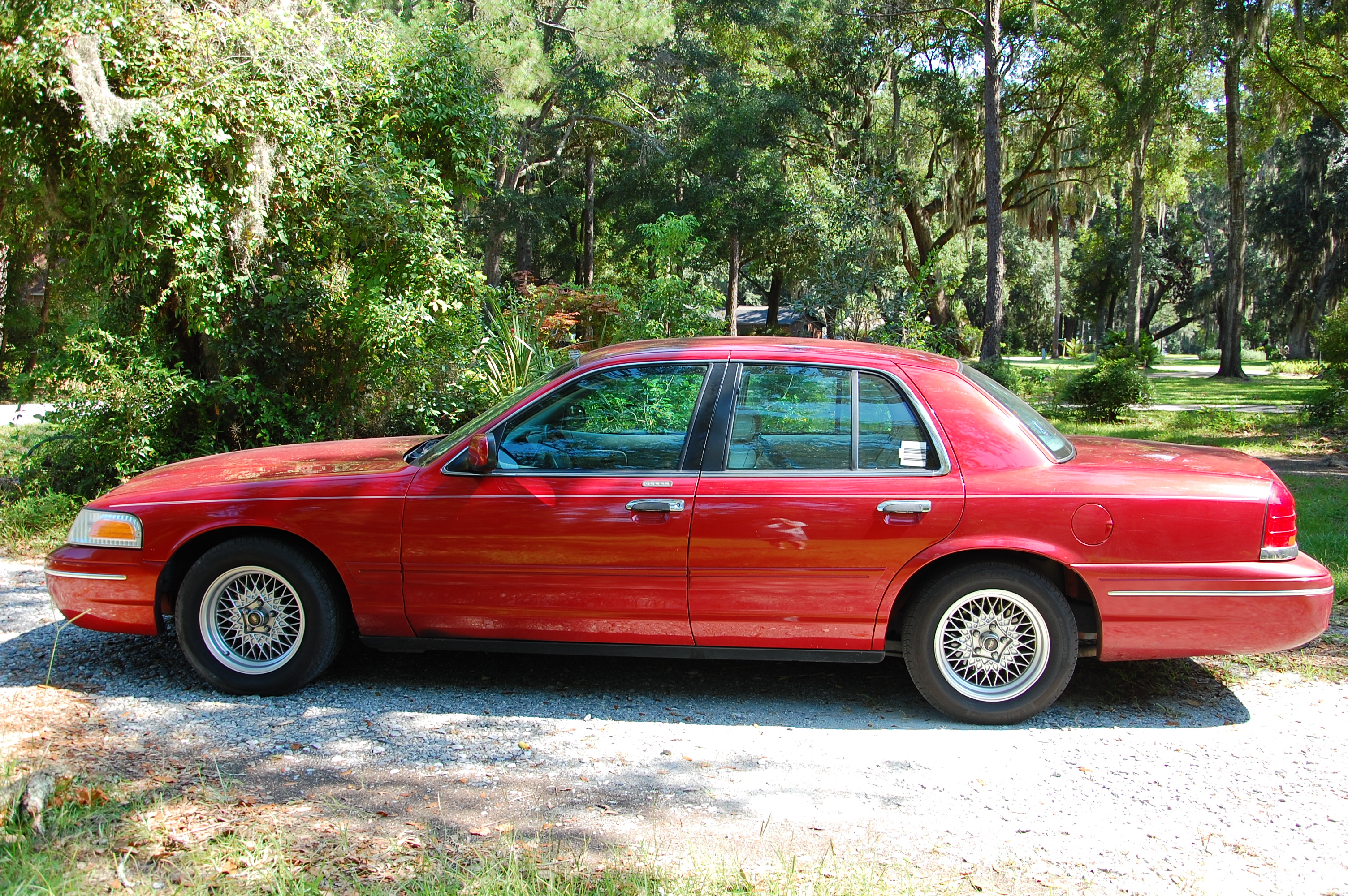 1999 Ford Crown Victoria #6