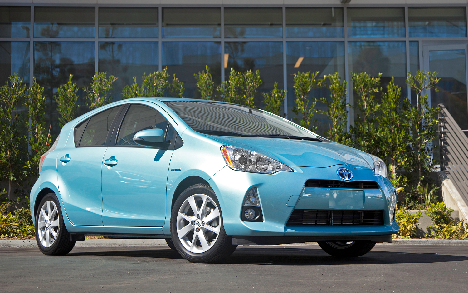 design serving exterior view sacramento and dealer c of jose toyota livermore in prius san oakland