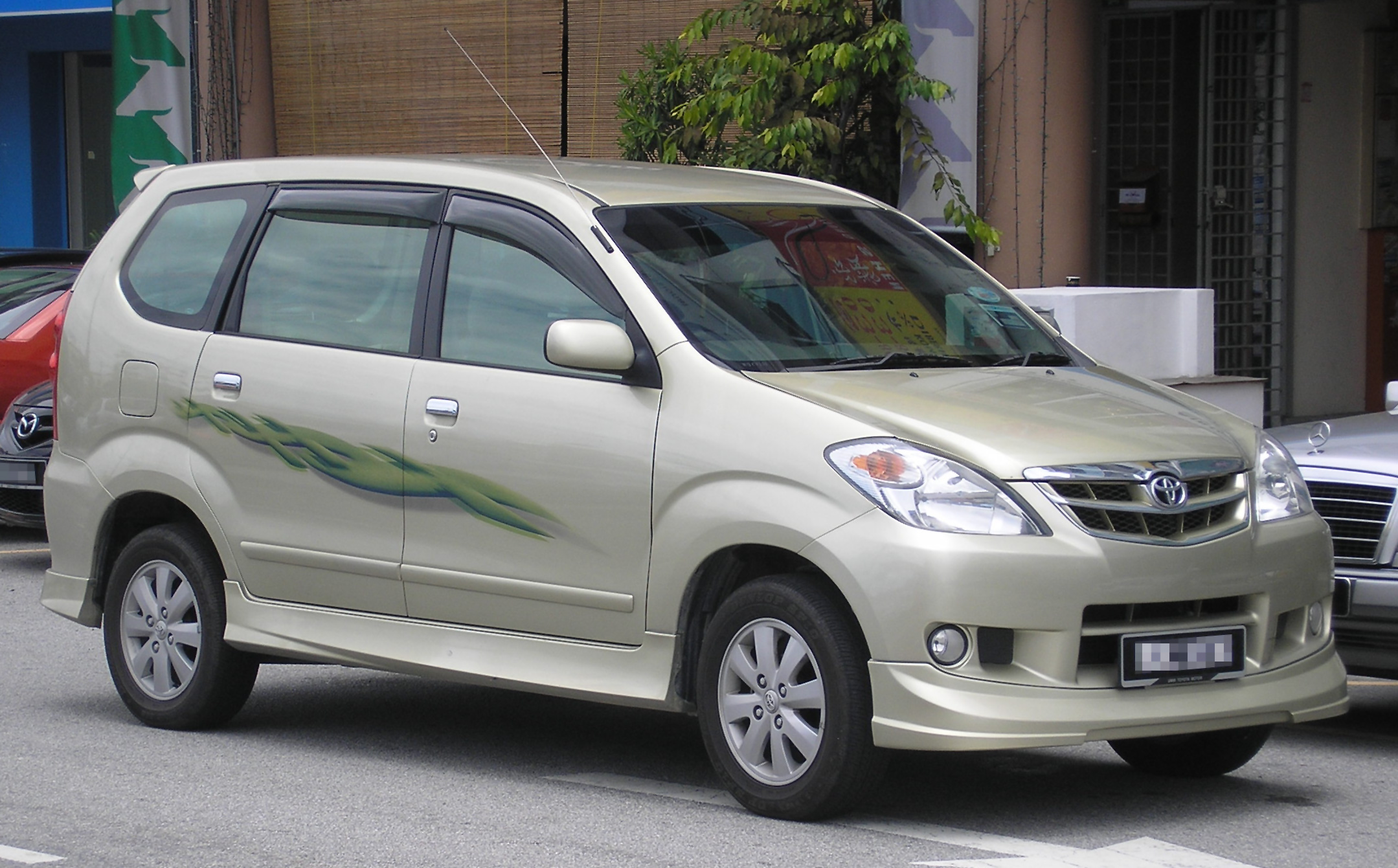 Toyota Avanza Photos Informations Articles 1 Roof Rack