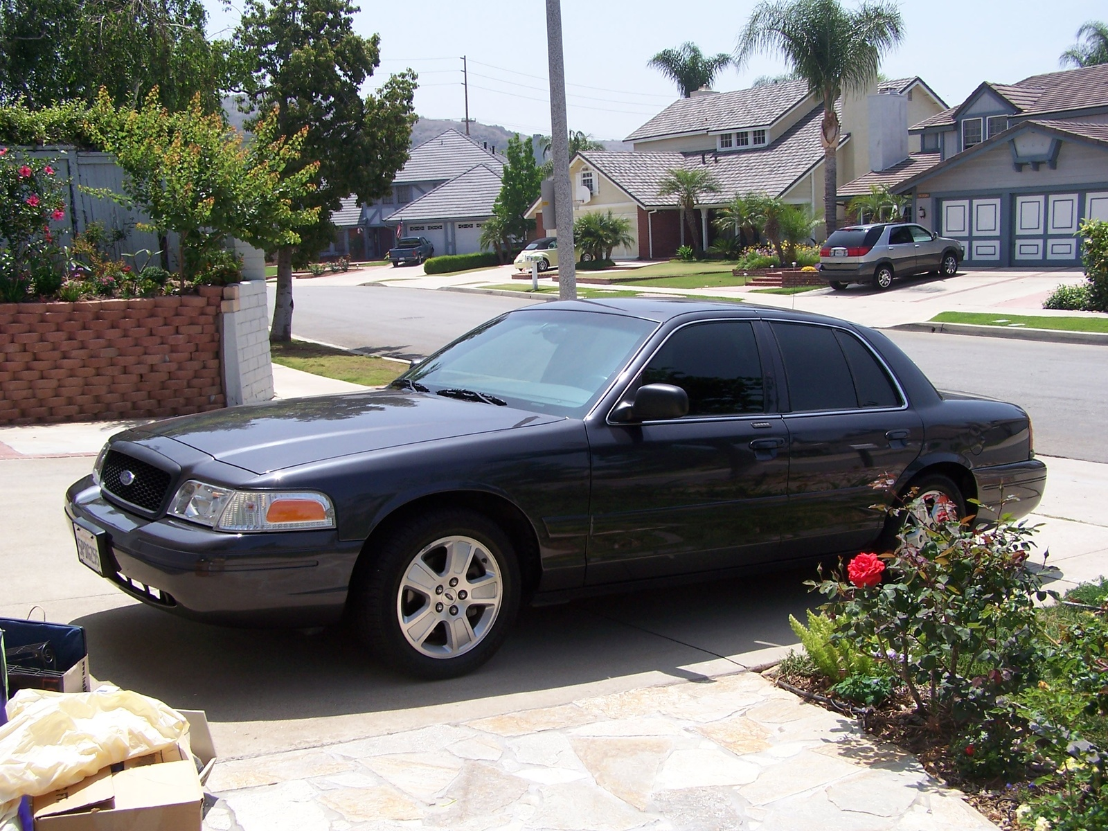 2005 Ford Crown Victoria #3