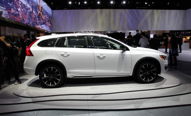 Volvo V60 Cross Country #10