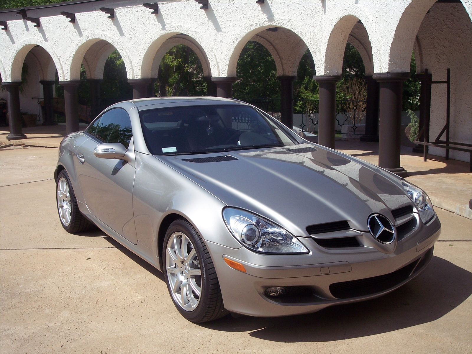 2005 Mercedes-Benz SL #16