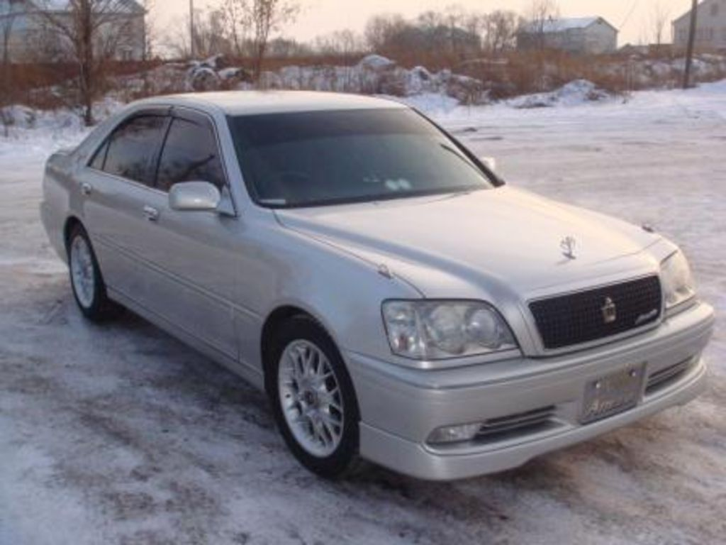 2000 Toyota Crown #10