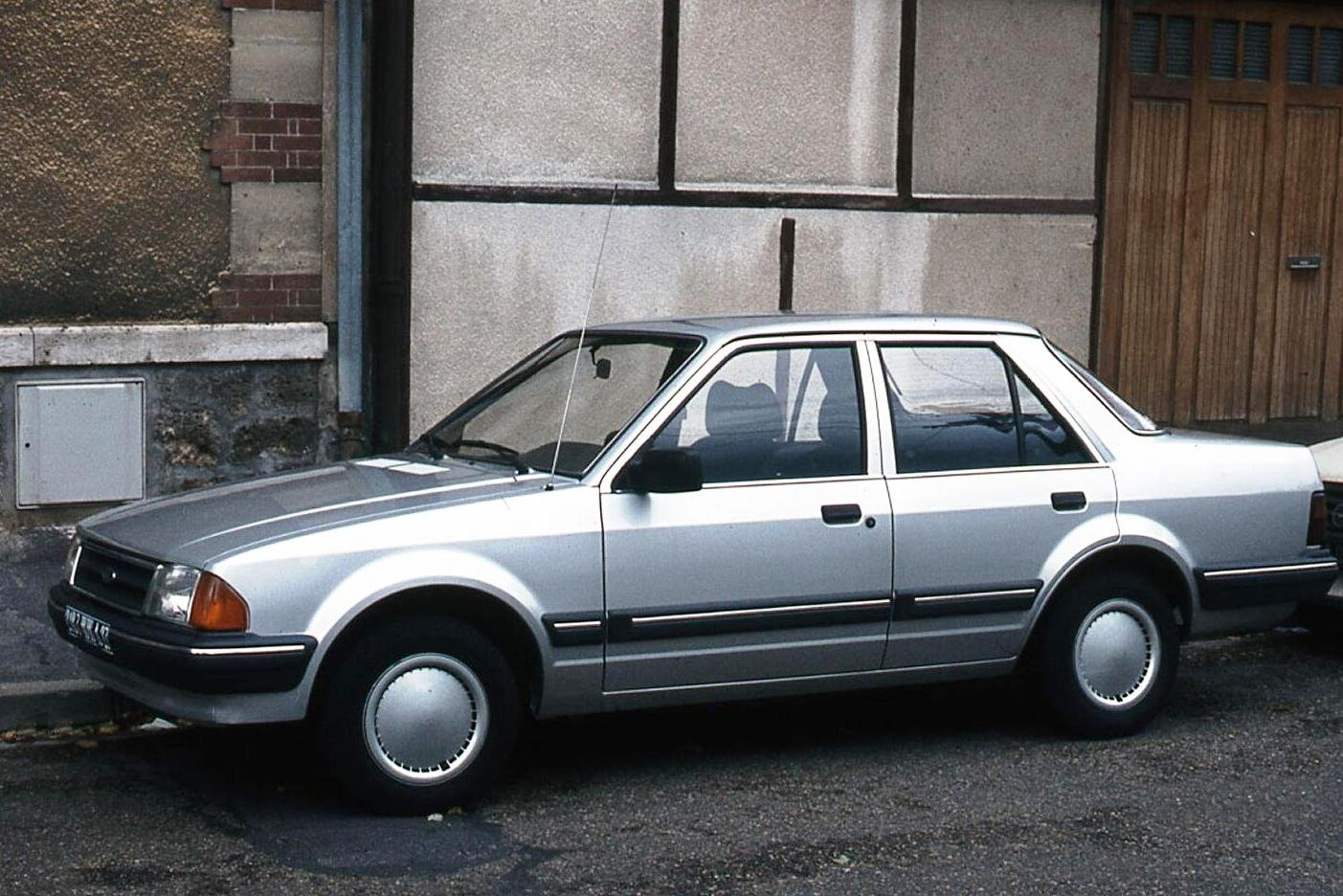 1989 Ford Orion #5