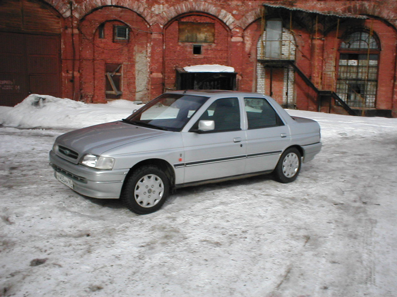 1992 Ford Orion #5