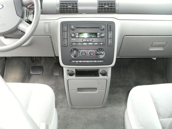 2007 Ford Freestar #12