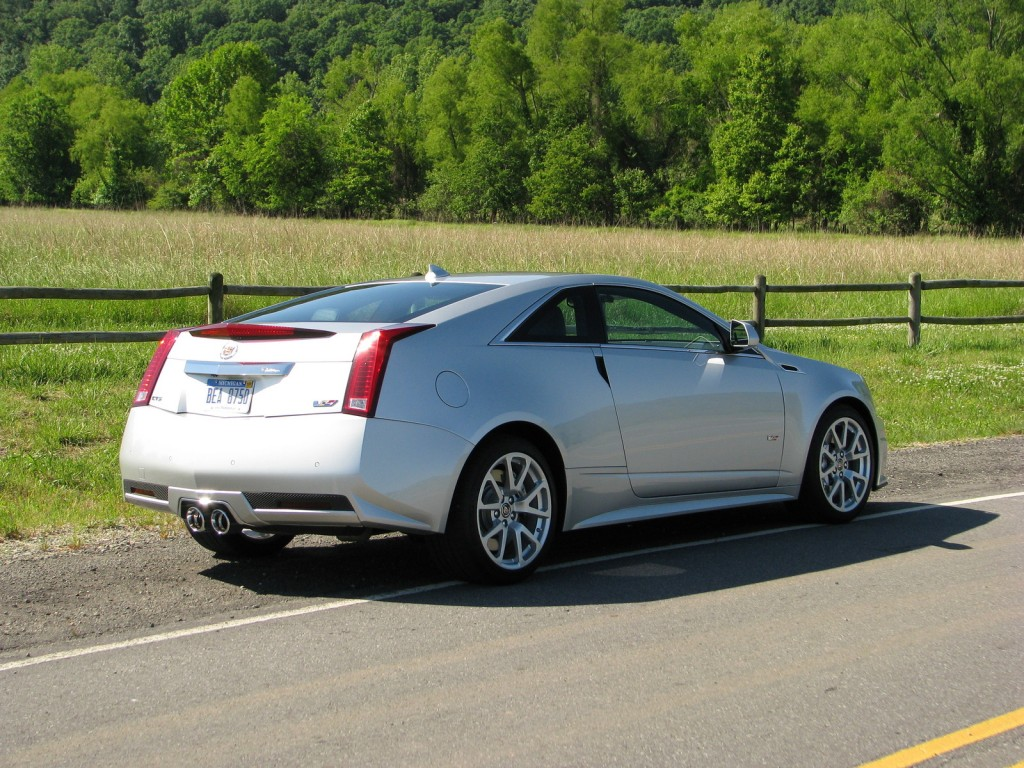 2011 cadillac cts v coupe photos informations articles. Black Bedroom Furniture Sets. Home Design Ideas