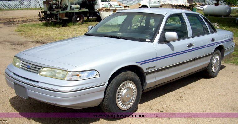 1994 Ford Crown Victoria #20