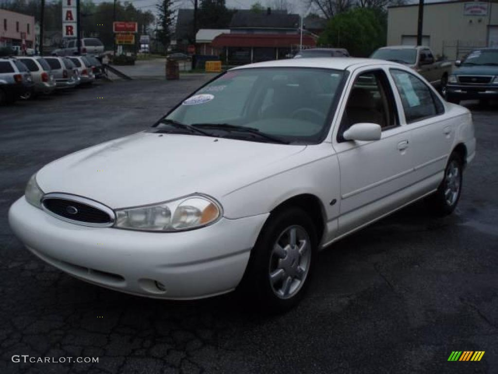 1999 Ford Contour #11