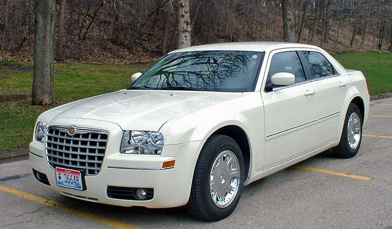 2006 Chrysler 300 #10