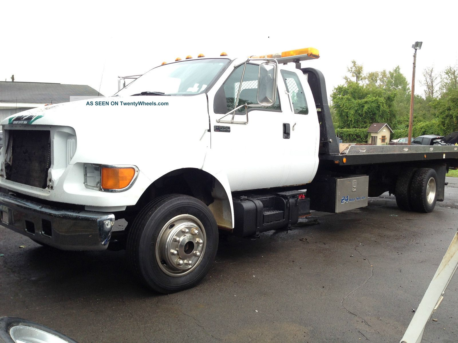 2001 Ford F-650 Photos  Informations  Articles