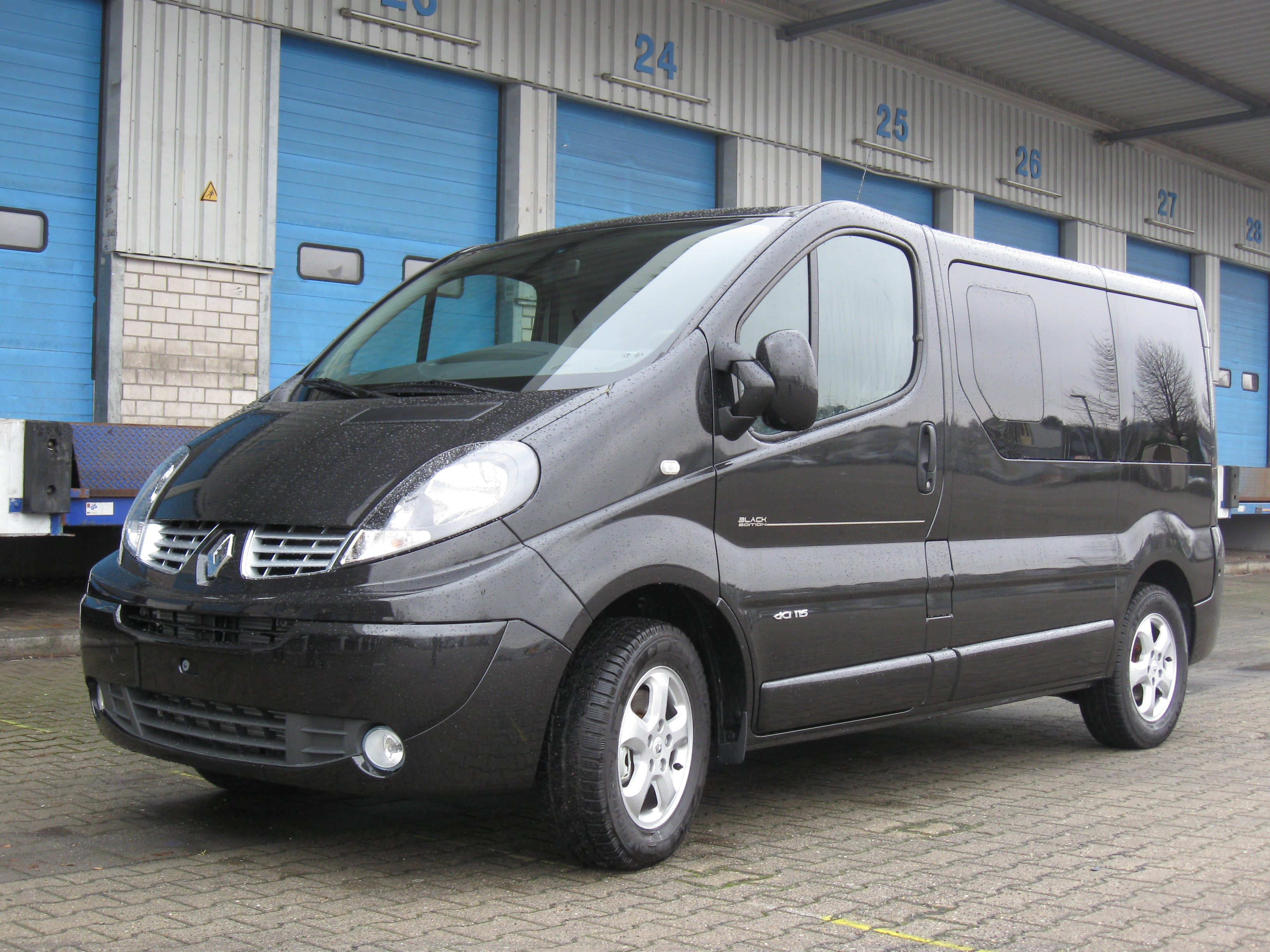 2011 renault trafic photos informations articles. Black Bedroom Furniture Sets. Home Design Ideas