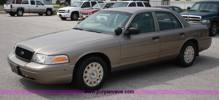 2005 Ford Crown Victoria #12