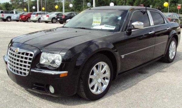 2005 Chrysler 300 #6