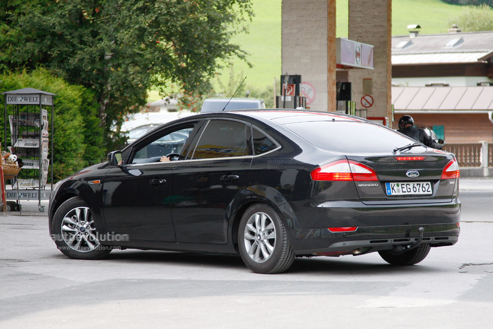 2010 Ford Mondeo #15