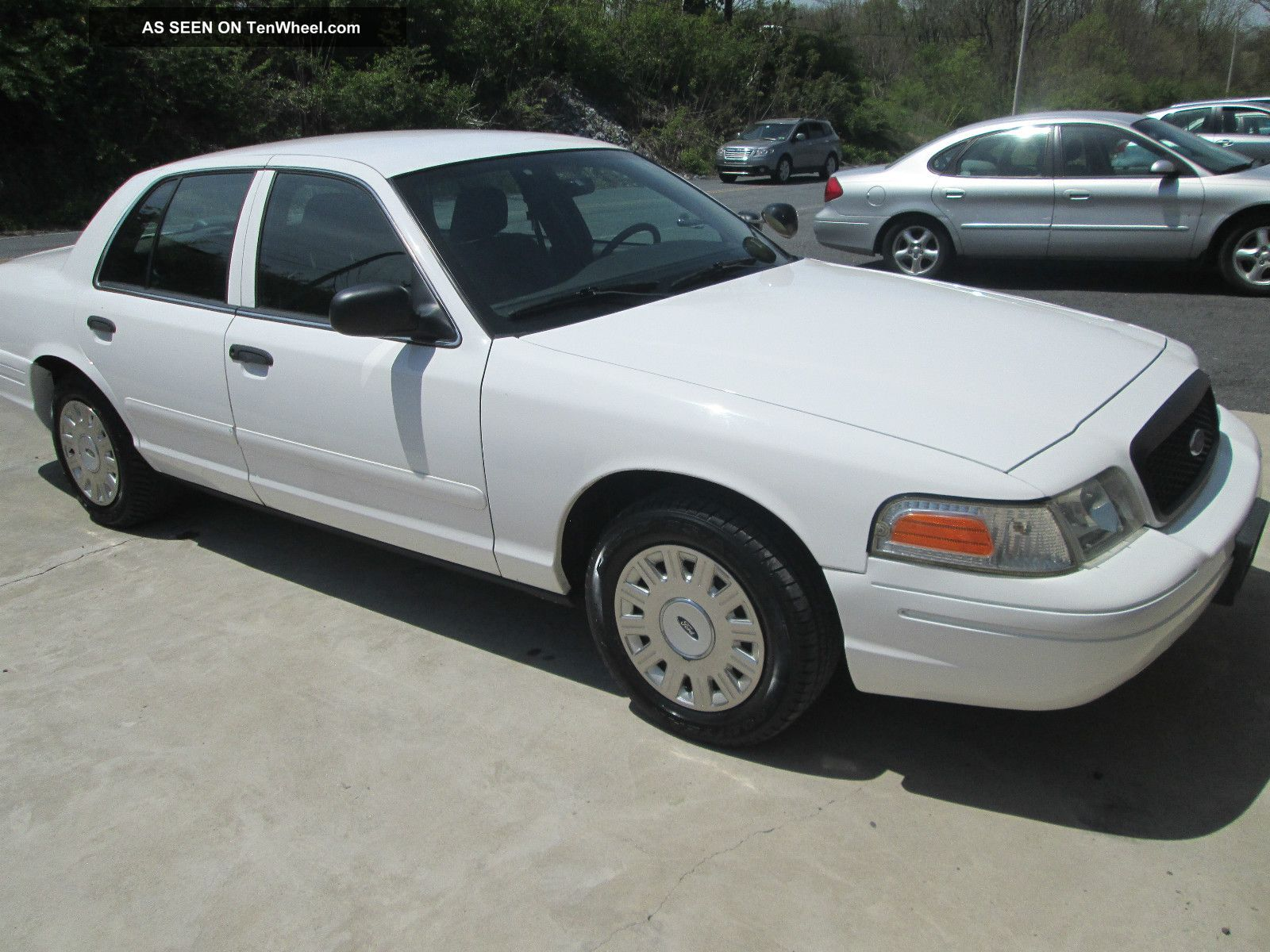 2004 Ford Crown Victoria #16